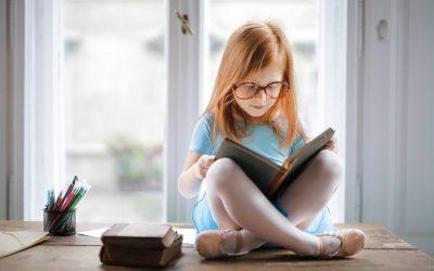 O super poder da leitura: Desenvolve a criatividade, habilidades linguísticas e melhora a compreensão do mundo.